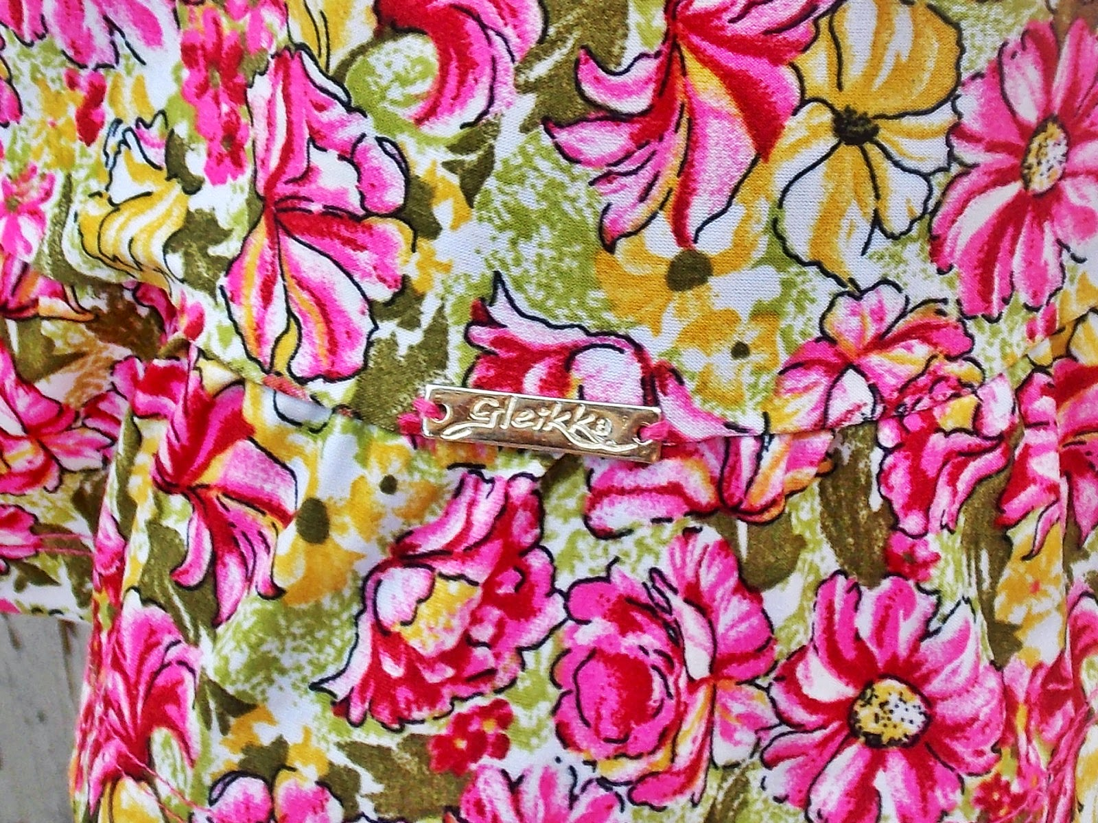blog Gleikka, look do dia, vestido floral, look confortável, dia de chuva, vestido de malha, look leve, descontraído, vestido floral, inspiração