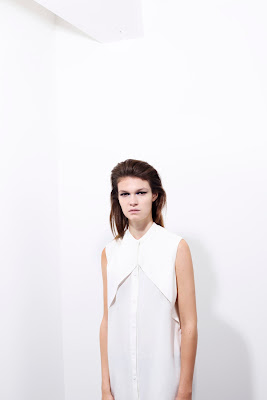Blouse, geometrical white