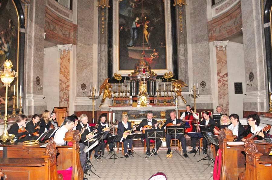 "Mandolinenorchester ""Euphonia"" in der Schlosskapelle Schönbrunn"