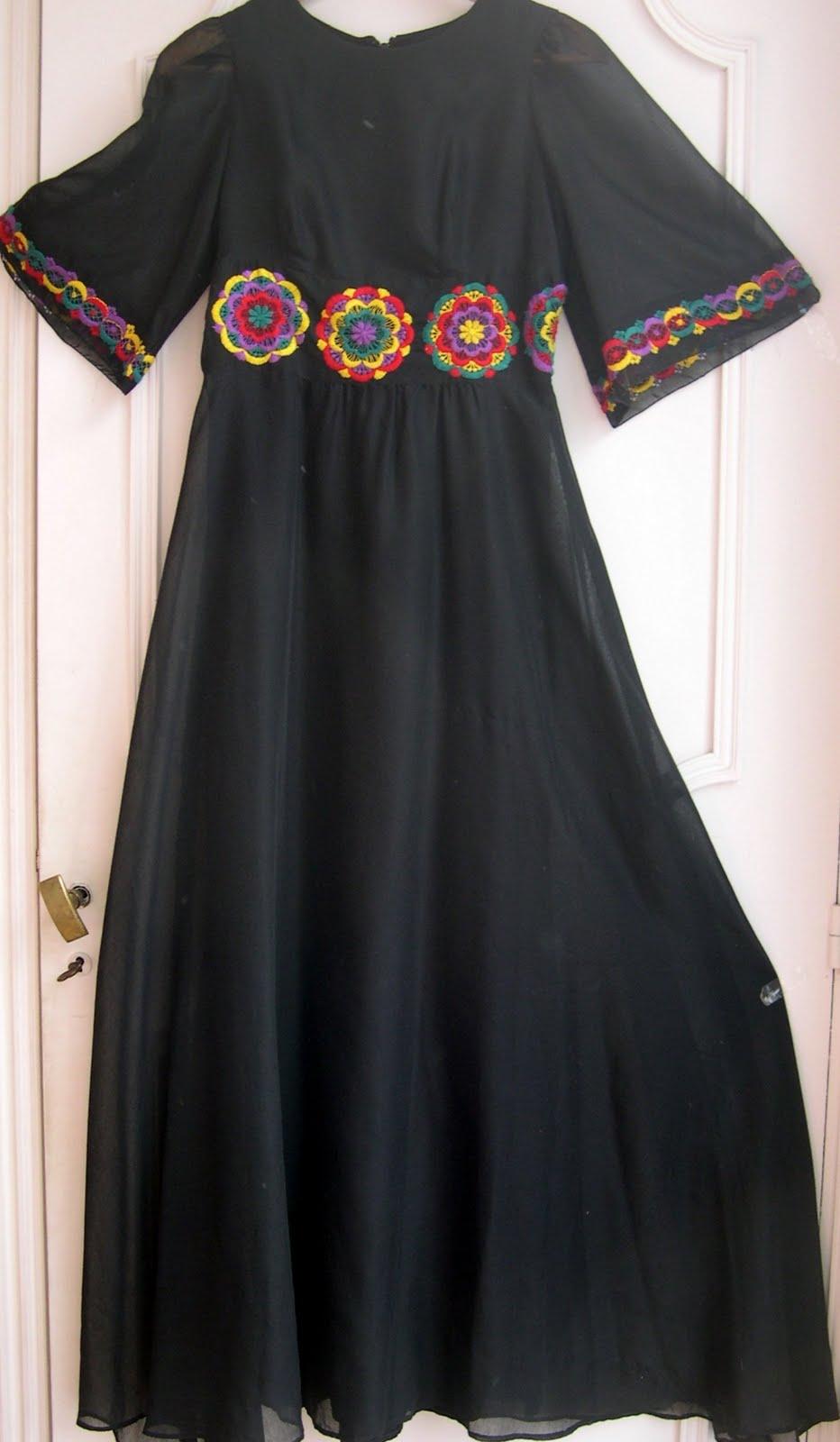 aux habits qui parlent el gante robe de soir e vintage ann es 70 vente en ligne. Black Bedroom Furniture Sets. Home Design Ideas