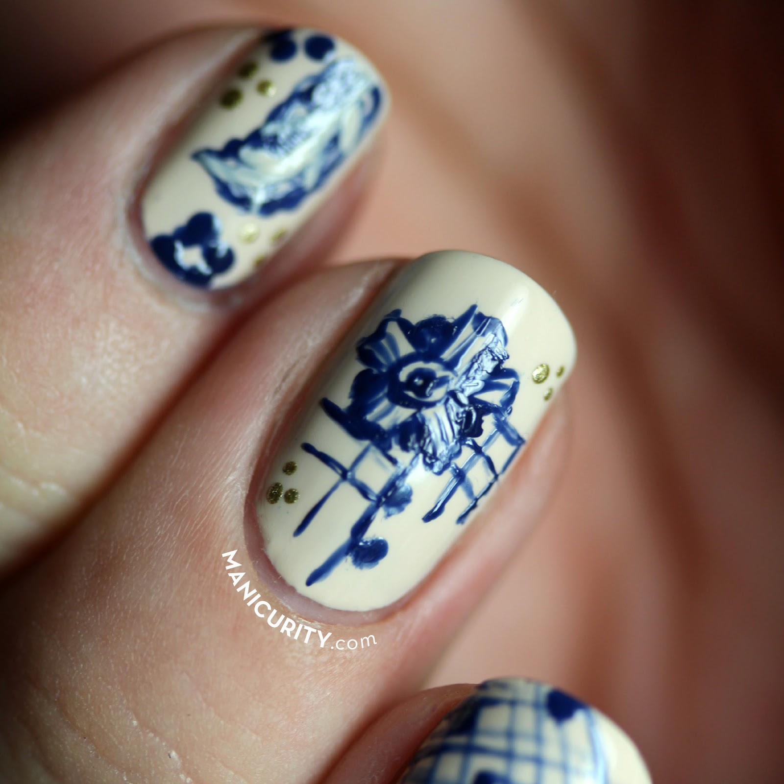 The Digit-al Dozen: Freehand Floral Pattern Bone China Nail Art | Manicurity.com @emmathea