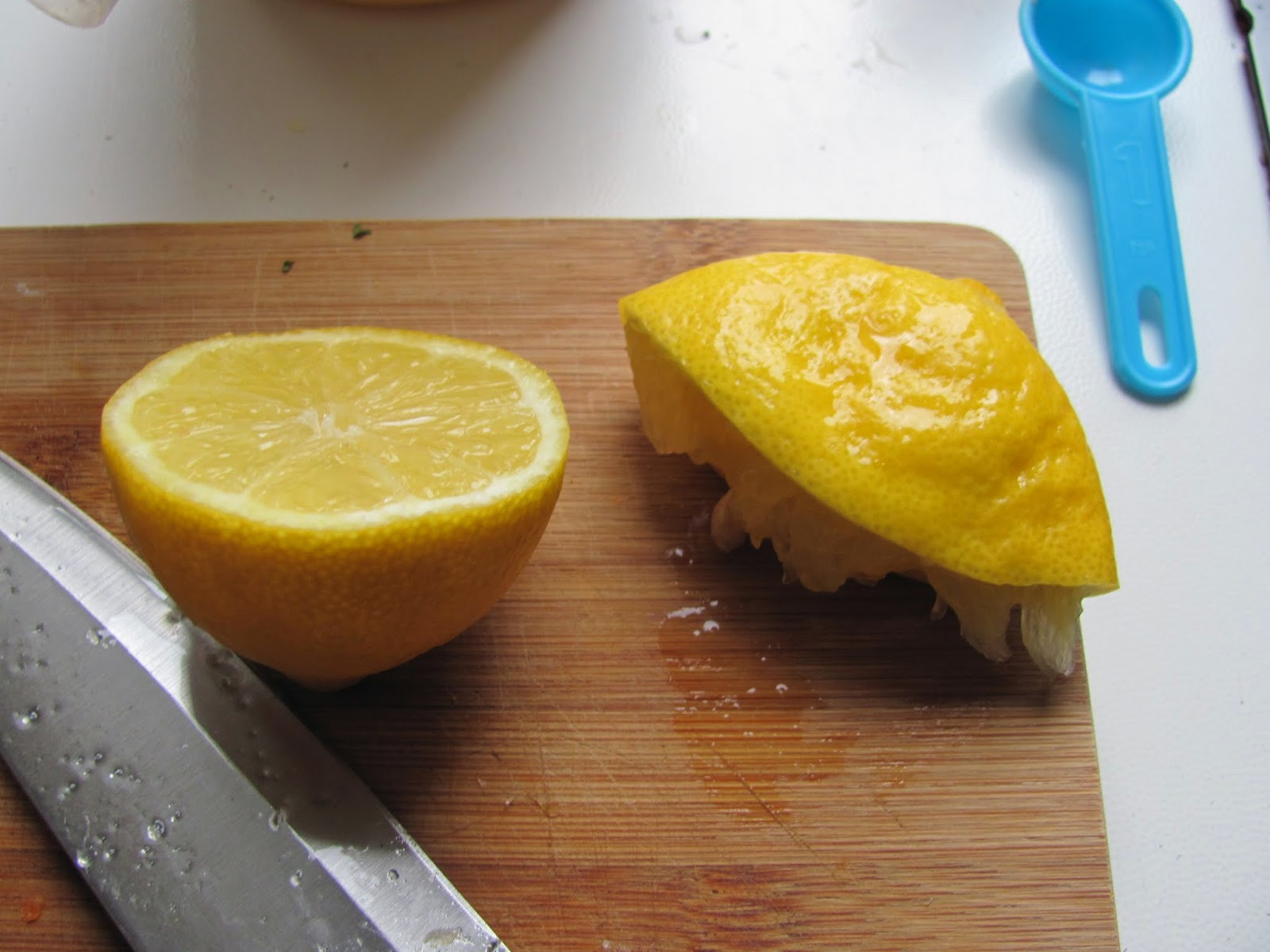 Fresh Lemon Juice for spaghetti with falafel balls