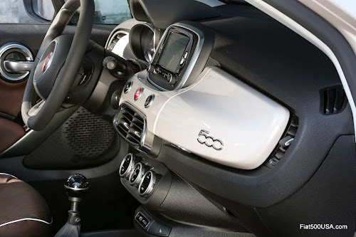 Fiat 500X Lounge Dash Detail