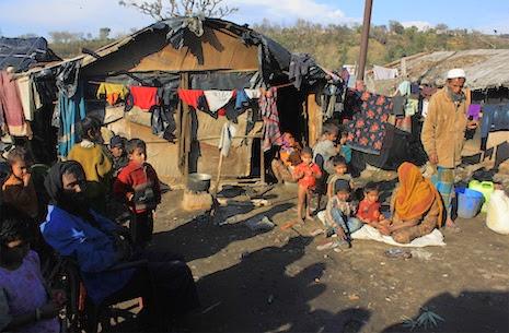1.300 Muslim Rohingya Lari dari India