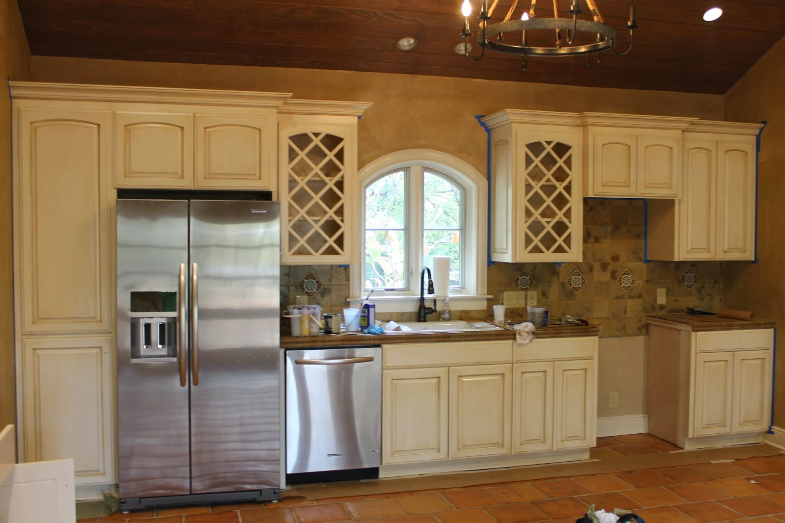 java maple cabinets, wood stain for maple umber cabinets, java glaze cabinets, beautiful kithen umber stained cabinets, on umber glaze for kitchen cabinets