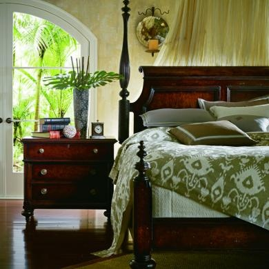 Eye for design tropical british colonial interiors for Island decor bedroom
