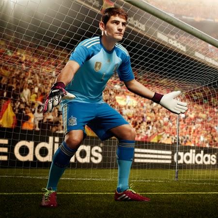 equipación portero selección española de fútbol Adidas campaña mundial Brasil 2014