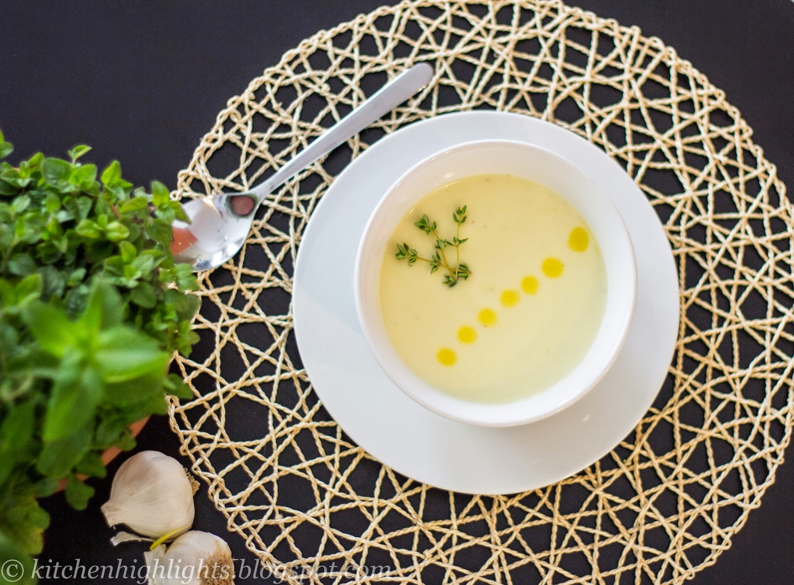 Knoblauchcremesuppe, cream of garlic soup is one of the most famous dishes in Austria
