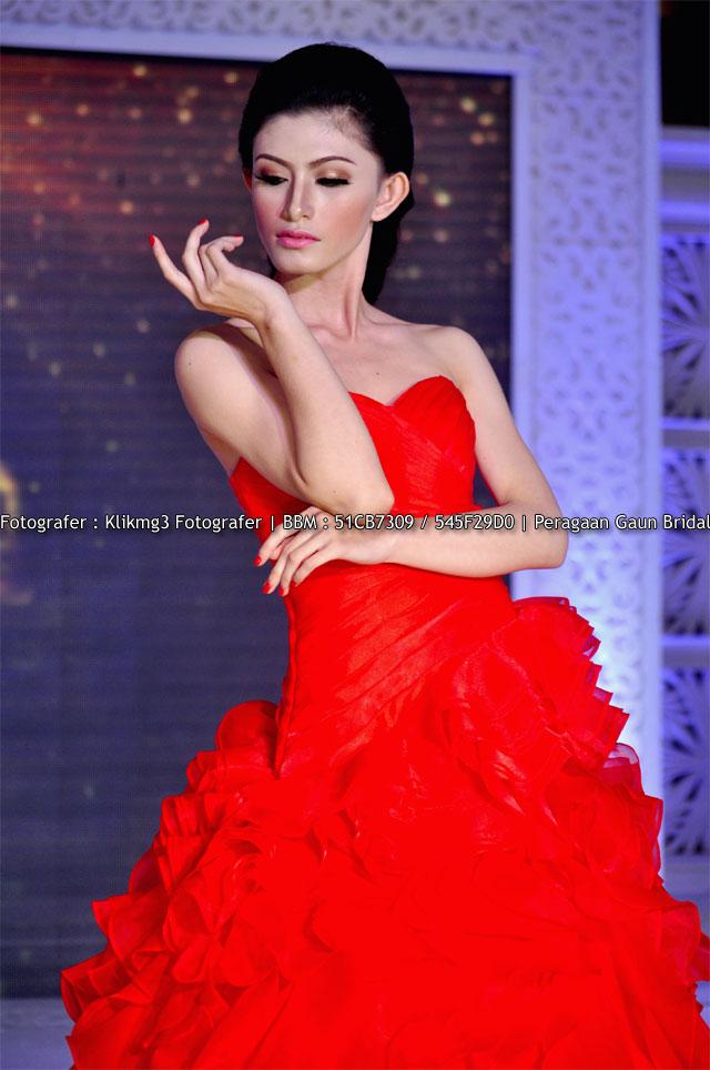 Peragaan Busana Gaun Pengantin Warna Warni Pada Wedding Expo 2015 Di Banyumas || Fotografer : Klikmg3 Fotografer ( Fotografer Purwokerto )