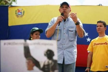 Torrealba: La única manera de garantizar la paz es con el pueblo movilizado