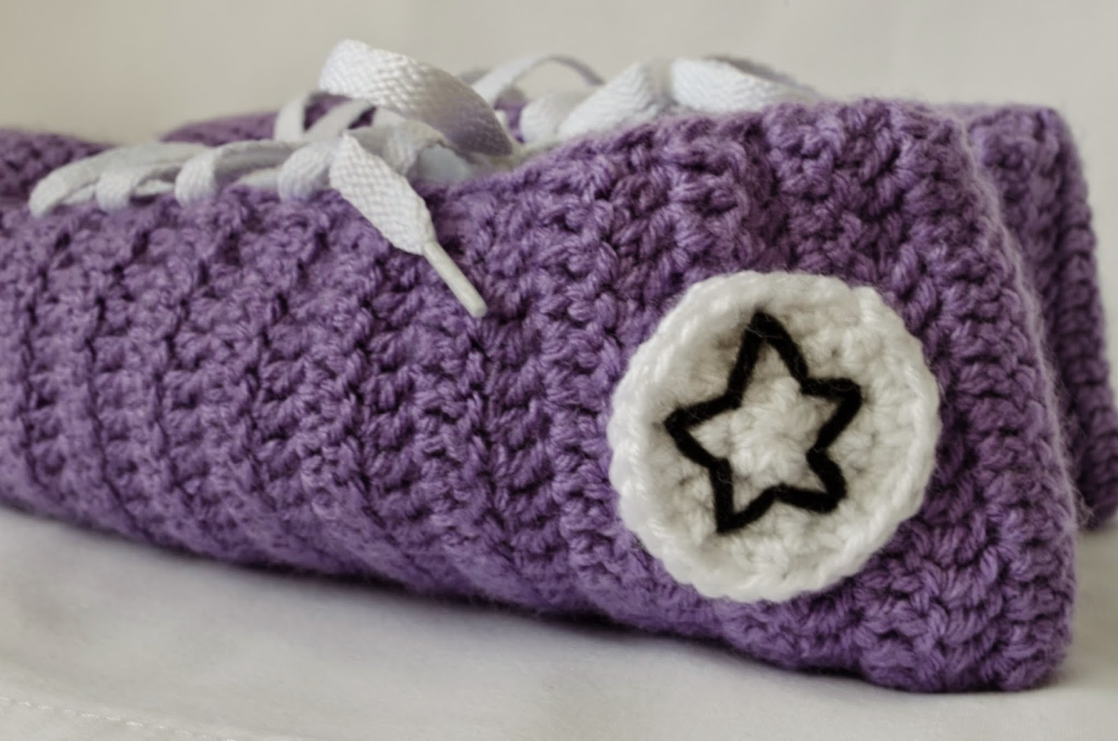 Make ALL The Things!: Converse Slipper Crochet Pattern
