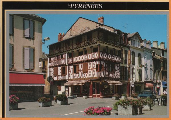 Place de Strasbourg in Bagnères de Bigorre in the Pyrenees
