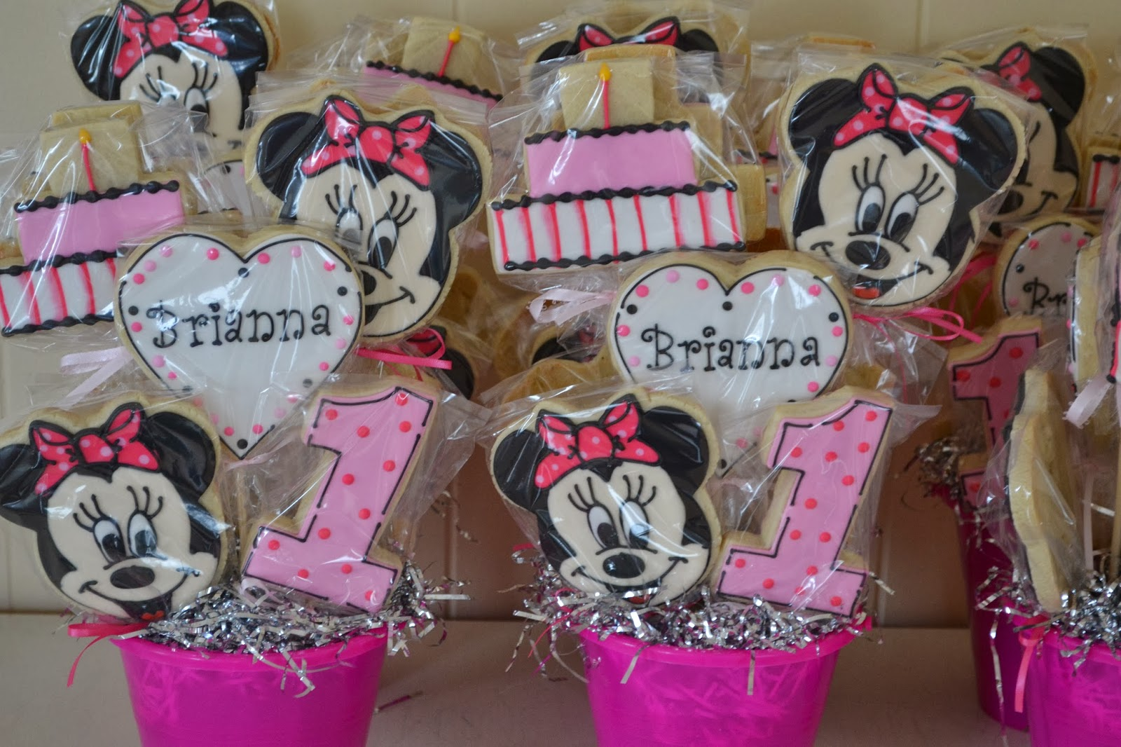 jackandy cookies Minnie Mouse 1st Birthday Cookie Centerpieces