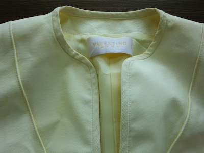 Valentino / バレンチノ  ジャケットの黄変~全体漂白~写真 金沢市で高級ブランド品のクリーニングとしみ抜きの上手い店