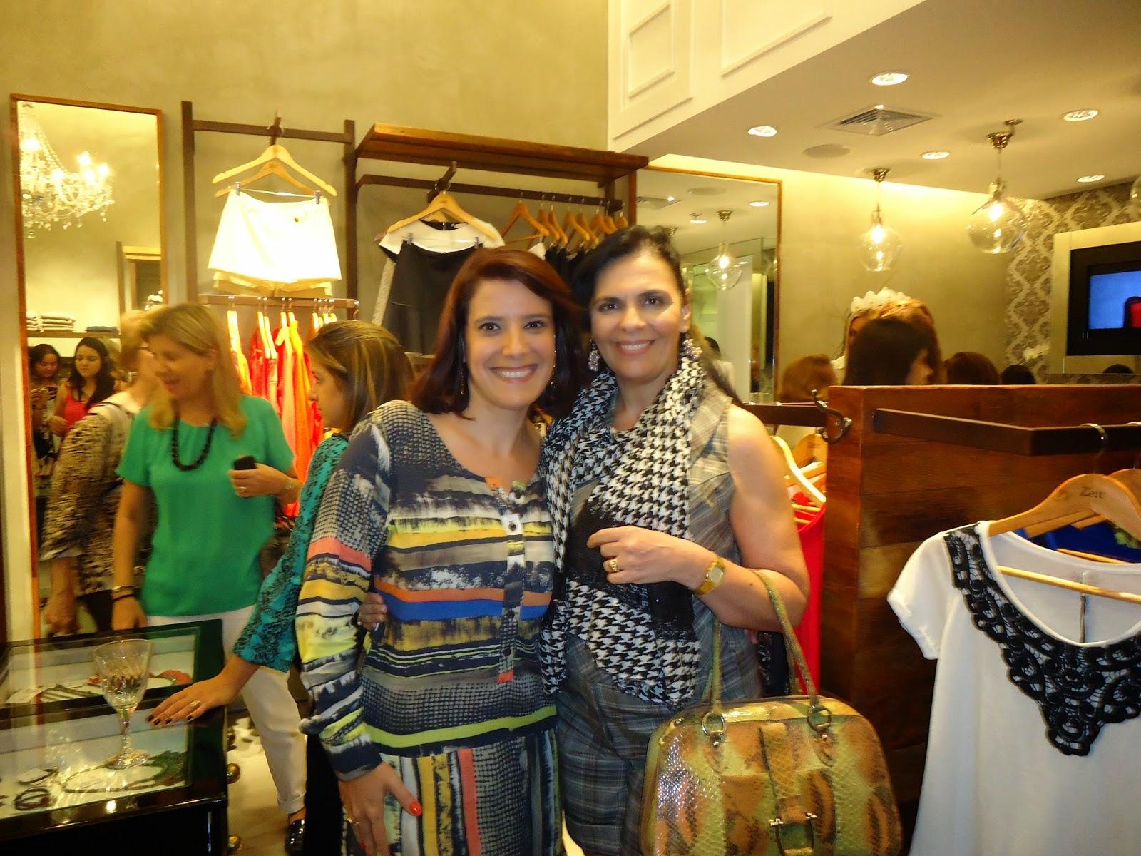Ontem o RIBEIRÃO SHOPPING deu as boas vindas a ZEIT nova loja de roupas e  acessórios femininos. A Zeit fez sua abertura com muita gente bonita 1f4b64e8b55