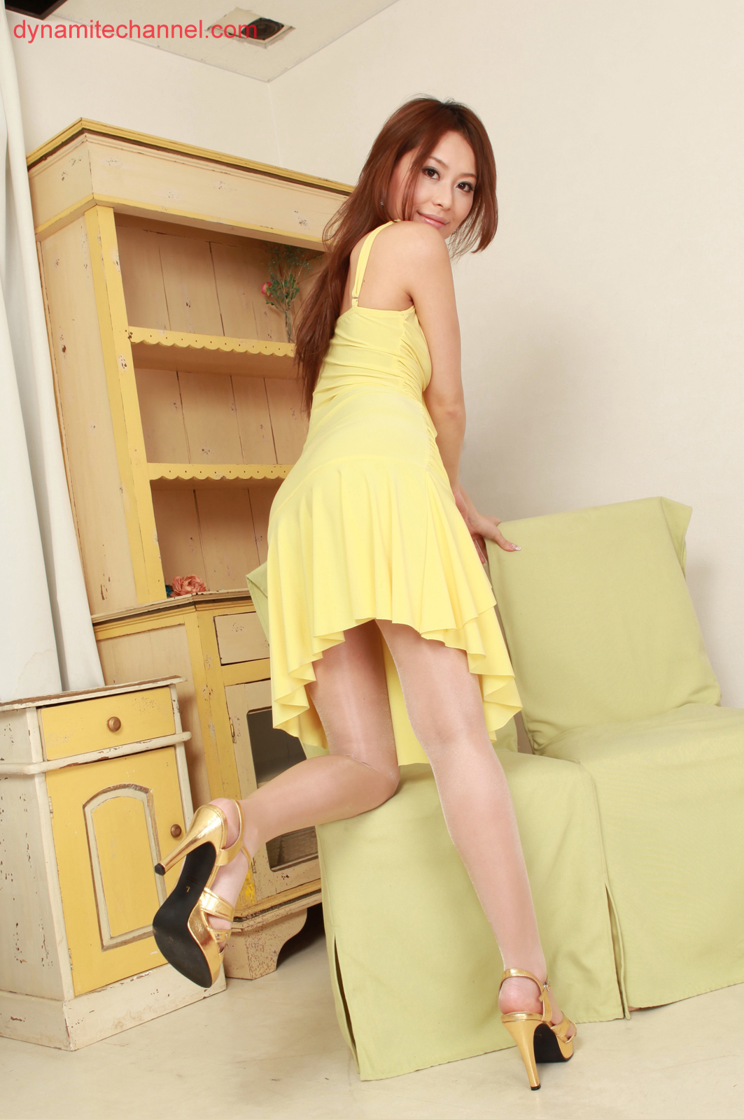 Asakura Japan  City pictures : Mai Asakura Japanese Gravure Idol Sexy Yellow Robe Fashion Photo Shoot ...
