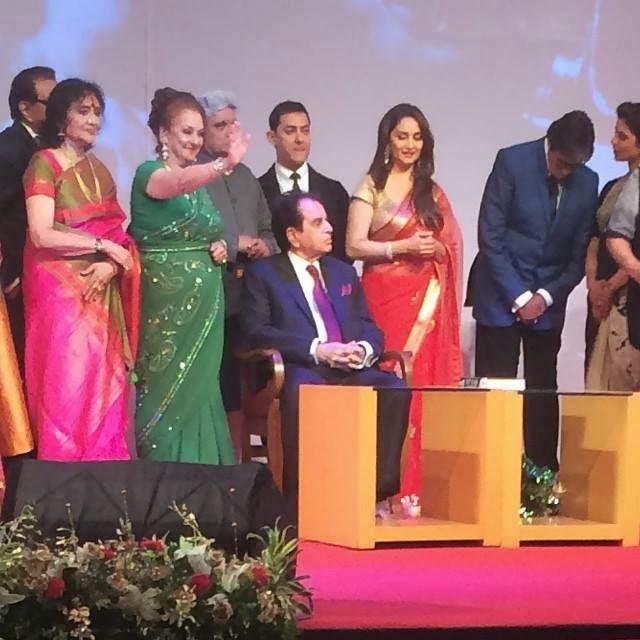 Dharmendra, Aamir Khan, Saira Banu and Amitabh Bachchan with Dilip Kumar during the launch of his autobiography