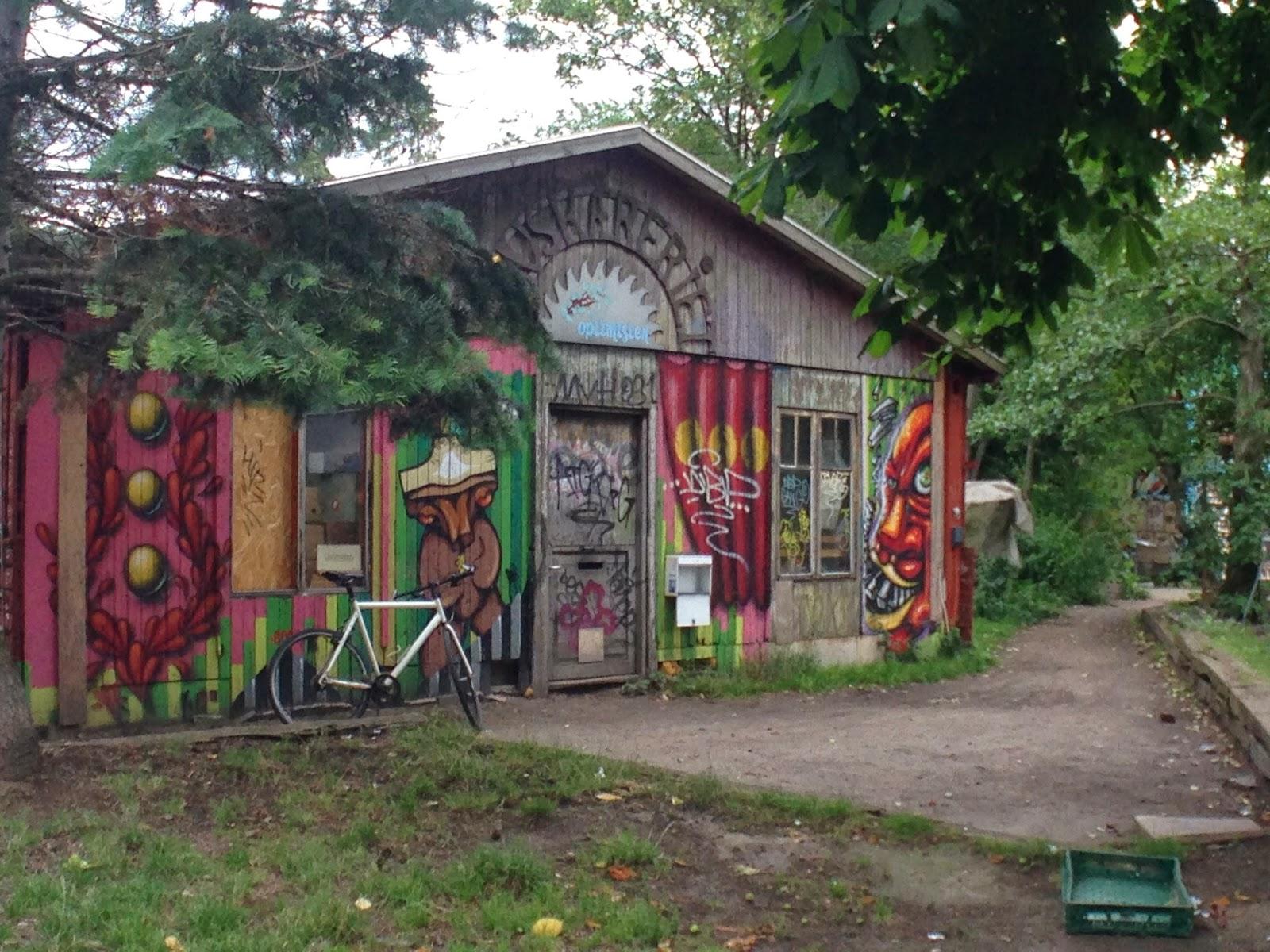 Casa Hippies : De vikingos hippies dragones y reinados parte just one