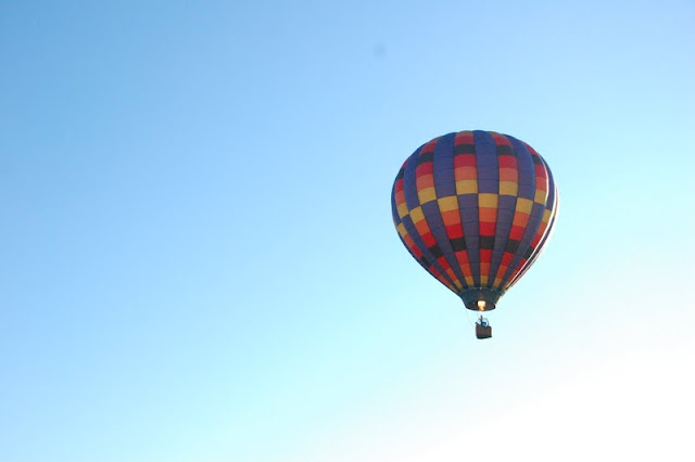 Many Beautiful Balloons In The Sky : And soon, the balloons started to fill the sky.