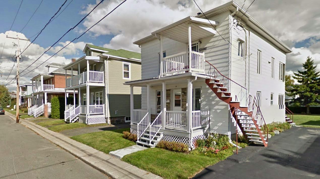 Urban kchoze: Ode to the multiplex: Québec\'s traditional urban housing