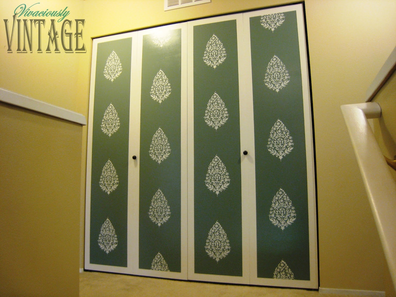 Vivaciously Vintage: Paisley Stenciled Laundry Room Doors