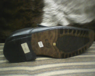 sepatu bally di lihat dari sisi bawah