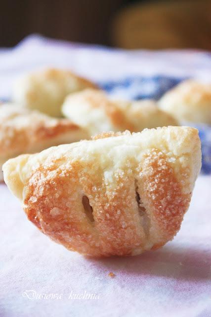 ciasteczka francuskie z jabłkiem, jabłkowe obracanki, francuskie z jabłkiem
