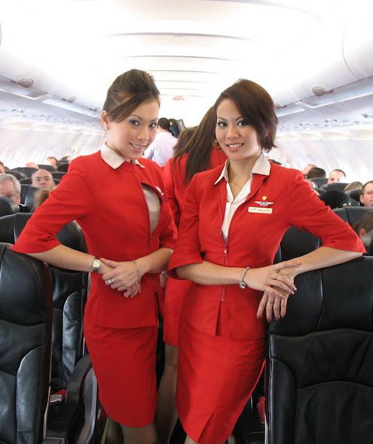 Foto Seksi Bening Pramugari Air Asia10