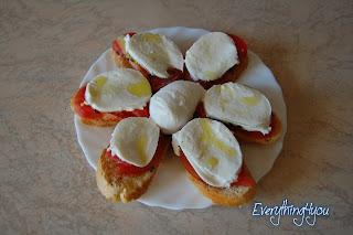 La caprese, un piatto fresco ed estivo condito con Olio Extravergine italiano Redoro