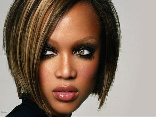 coiffure femme avec meche de couleur