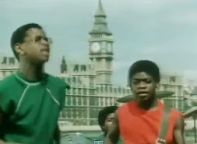 videos-musicales-de-los-80-musical-youth-pass-the-dutchie