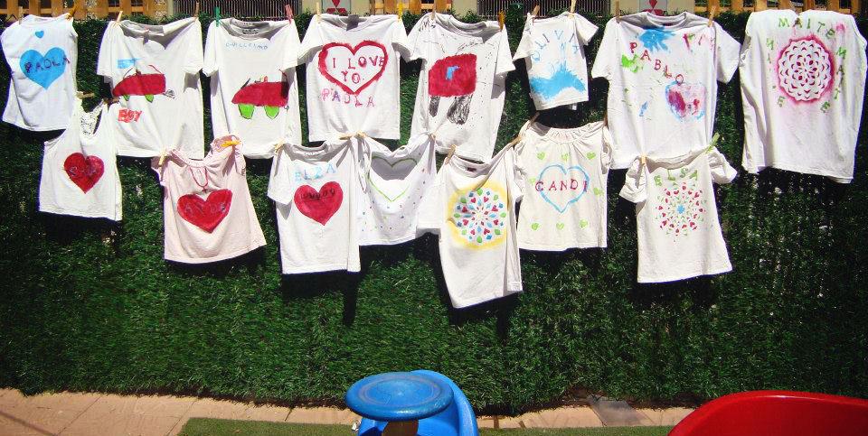Escoleta el portet taller de pintar camisetas - Pintar camisetas ninos ...