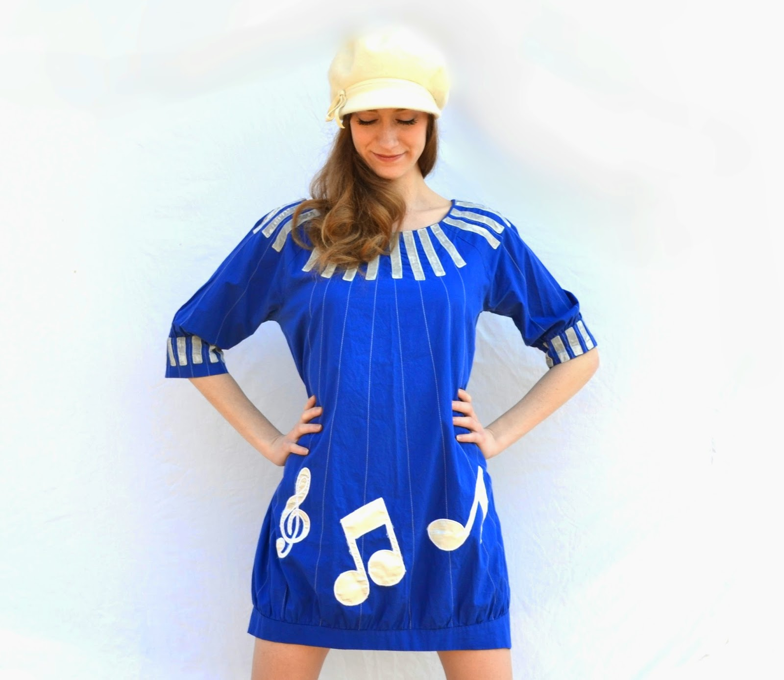 https://www.etsy.com/listing/182090553/1960s-mod-music-note-mini-shift-sack?ref=shop_home_active_8