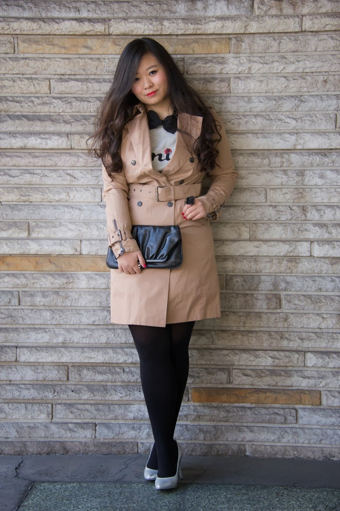 Trench-Coat-Bow-Tie, Black-Clutch, NYE-Outfit