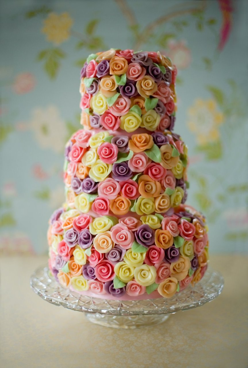 Cake Images With Roses : ROSE DECORATED CAKES ! on Pinterest Fake Cake, Rose Cake ...