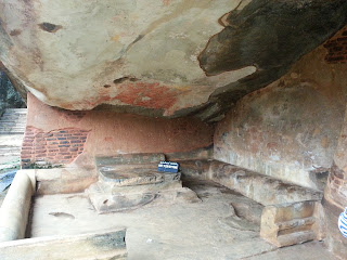 King's Chamber Meditation Room, Kashyapa, Sigiriya, Sri Lanka. Niche in rock with stone throne, frescoes above