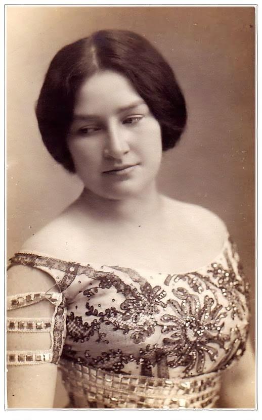 Timea Bella Anita Bellini