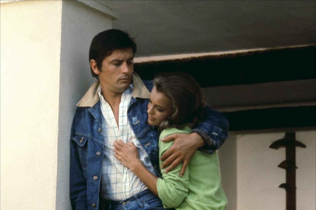 http://4.bp.blogspot.com/-rNggaggcfTU/Tc7CntUbkXI/AAAAAAAACRA/rolI3NSuj5g/s1600/photo-La-Piscine-1969-14.jpg