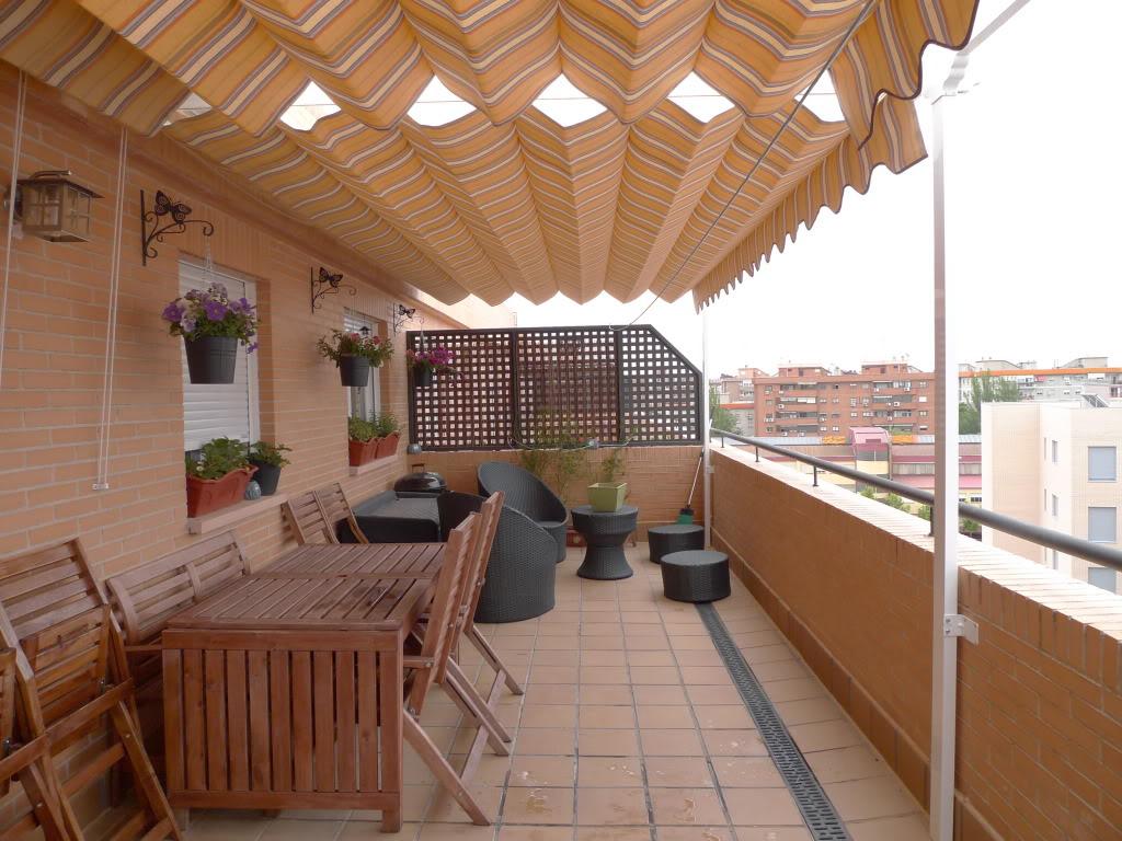 La terraza de bei concurso terrazas patios y balcones 39 11 for Patios y terrazas
