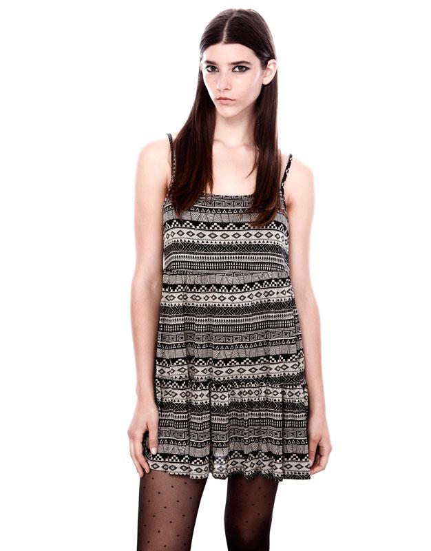 askılı simetrik , siyah beyaz kısa elbise