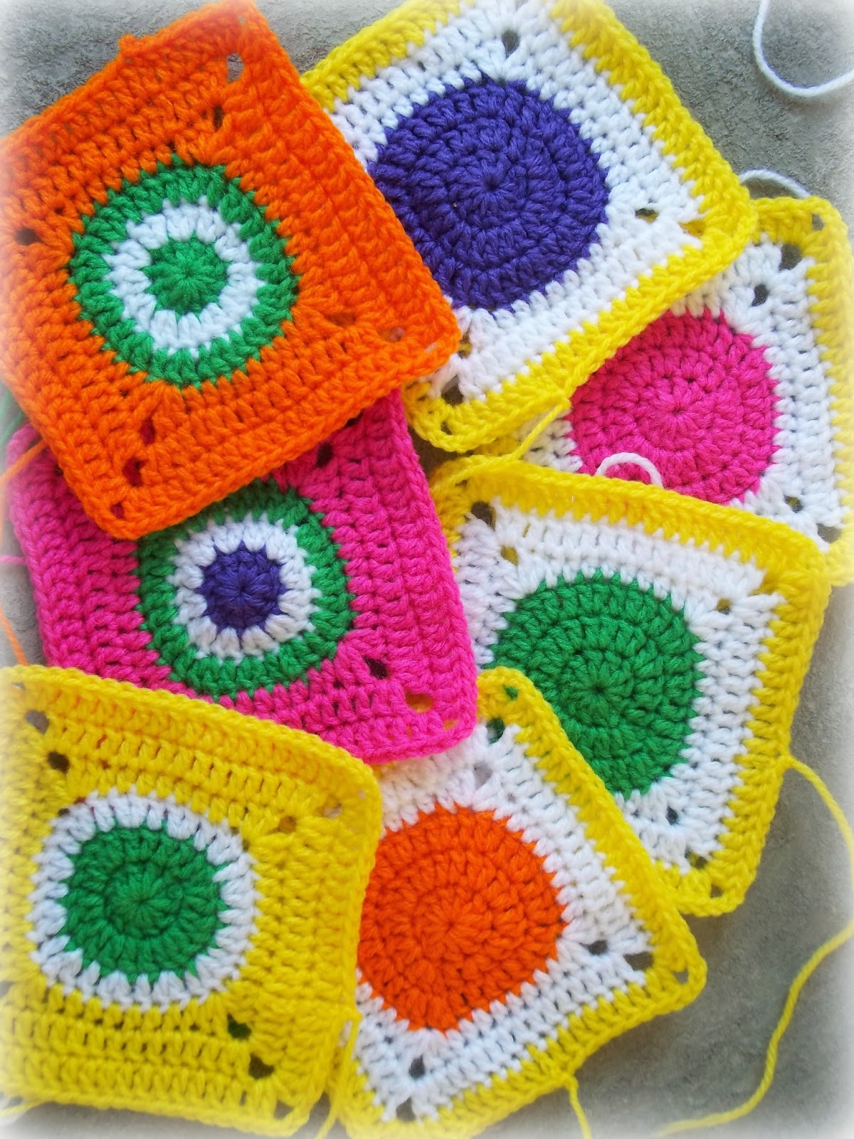 Zooty Owl\'s Crafty Blog: Circles in Squares: Baby Groovyghan CAL(4)