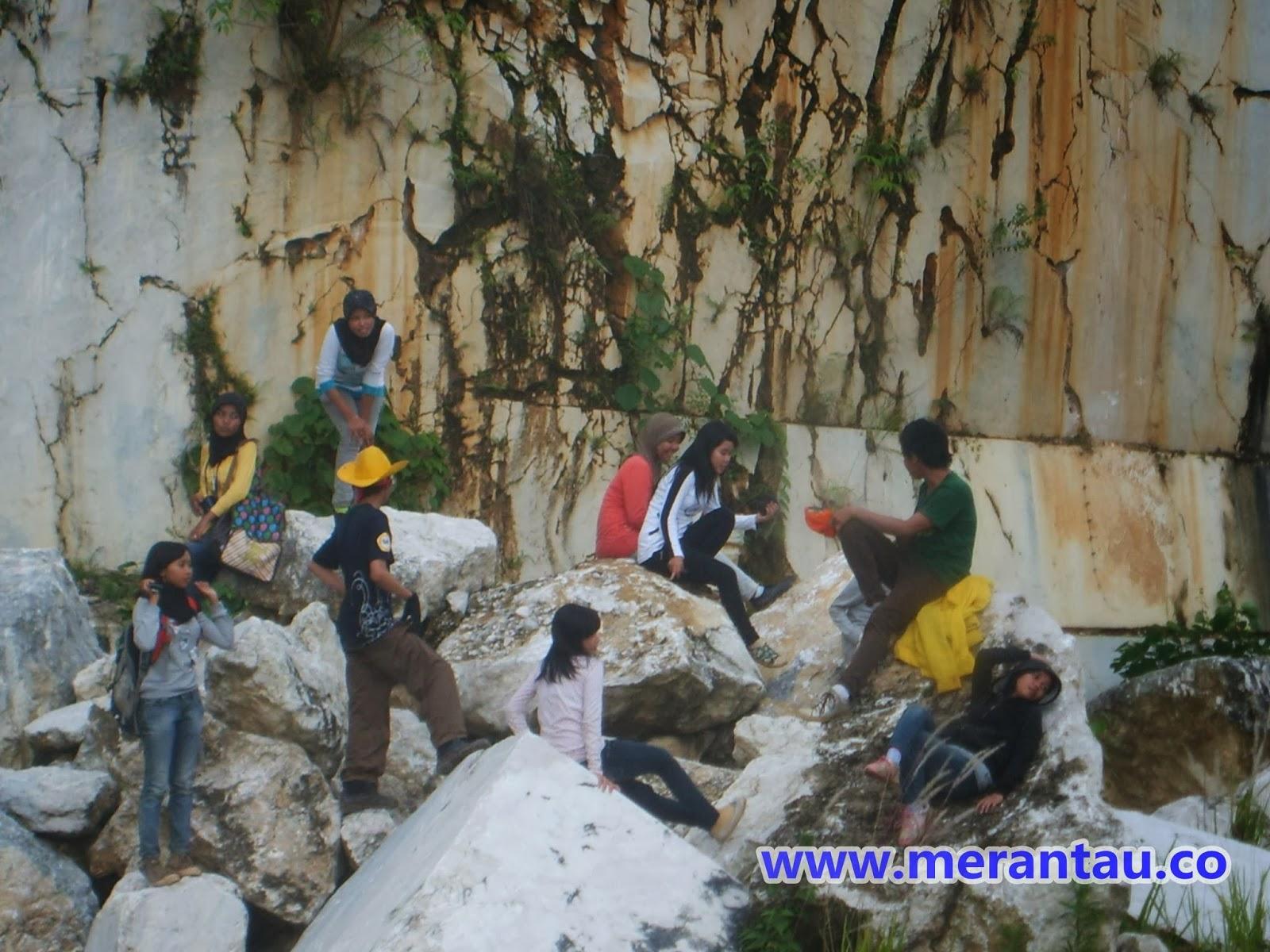 Tambang Marmer di Kalimantan Selatan
