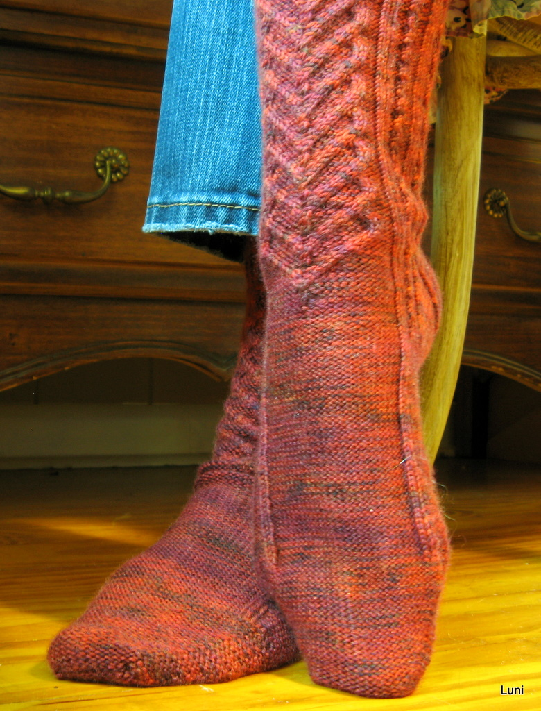 3 Sleeves to the Wind: Knitting Princess-footed Socks