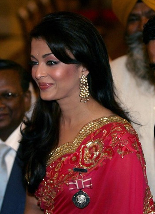 she fashion club aishwarya rai in saree