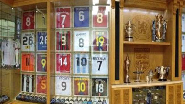 Messi, Ronaldinho y Puyol, tesoros de John Terry