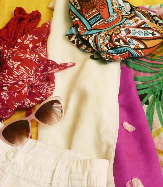 Packing my bags for the seaside, language, clothes, summer, retro sunglasses from H&M