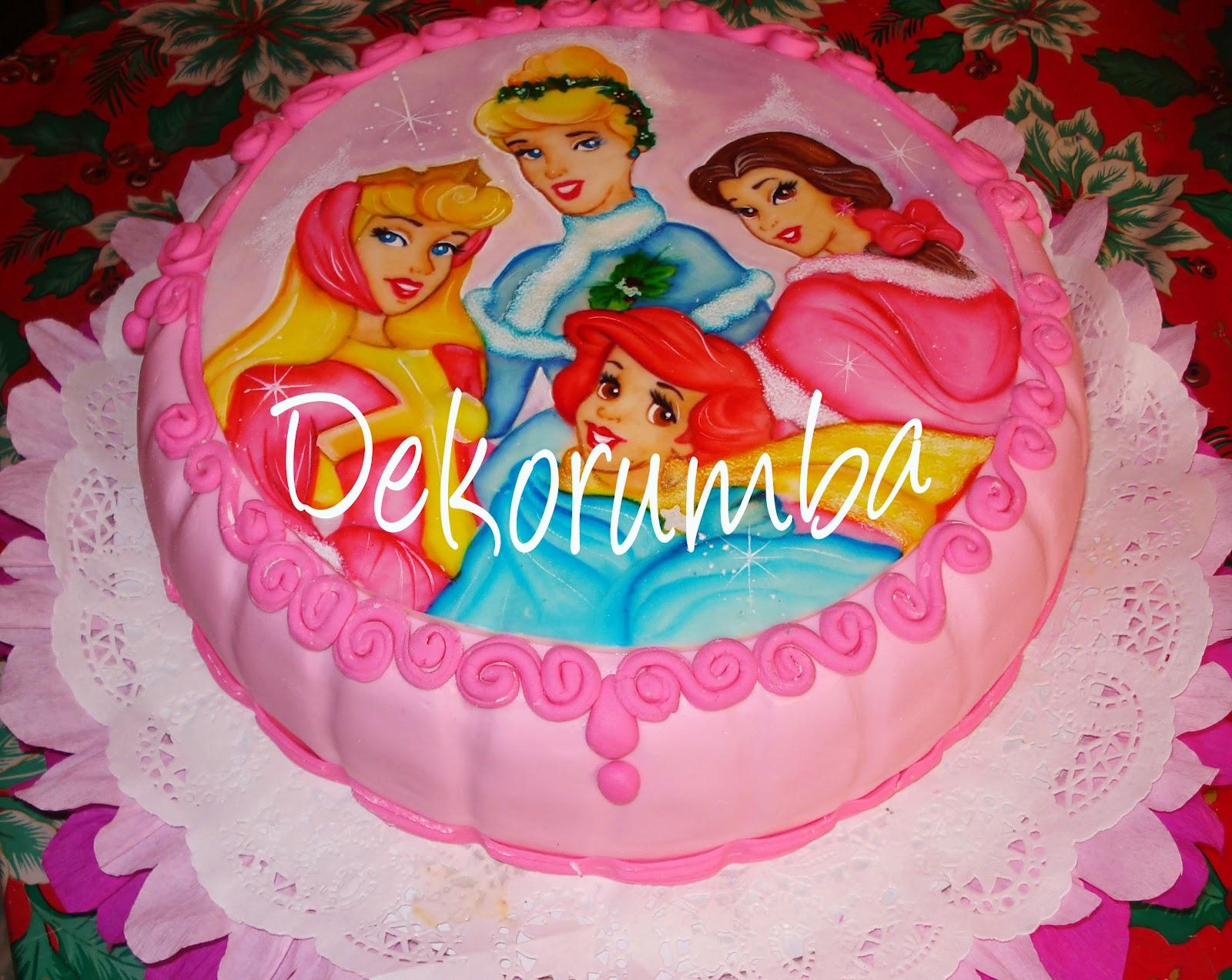 Torta Decorada Con Las Princesas De Disney