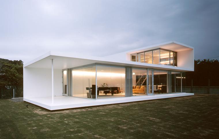 Construindo minha casa clean 35 fachadas de casas for Casas estilo minimalista interiores