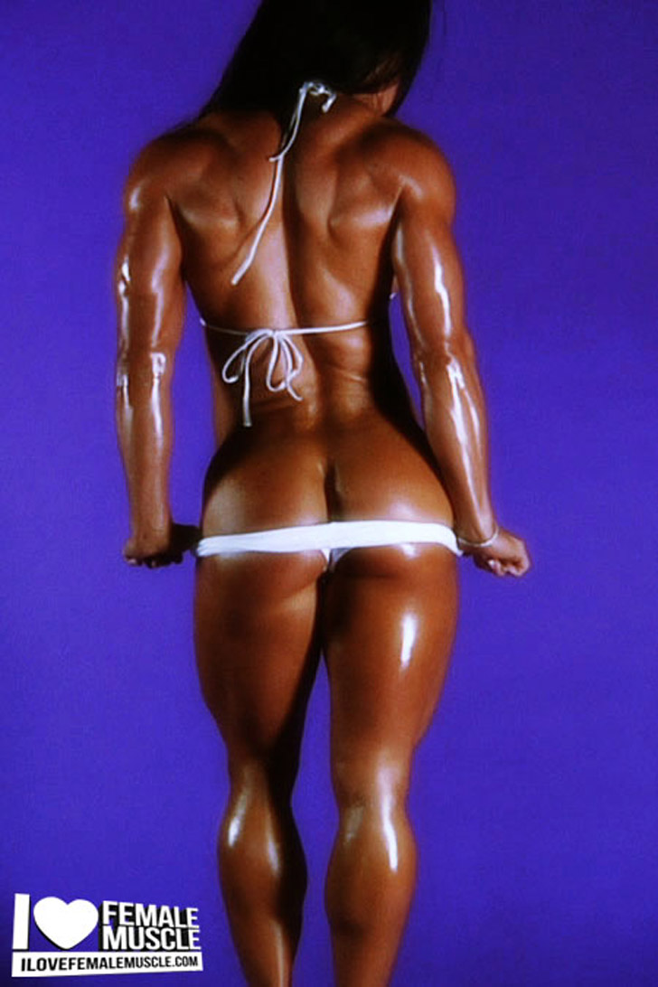 Jennifer Scarpetta IFBB Pro Female Bodybuilder - Female Muscle Image 1 - Femalemuscleguide.com