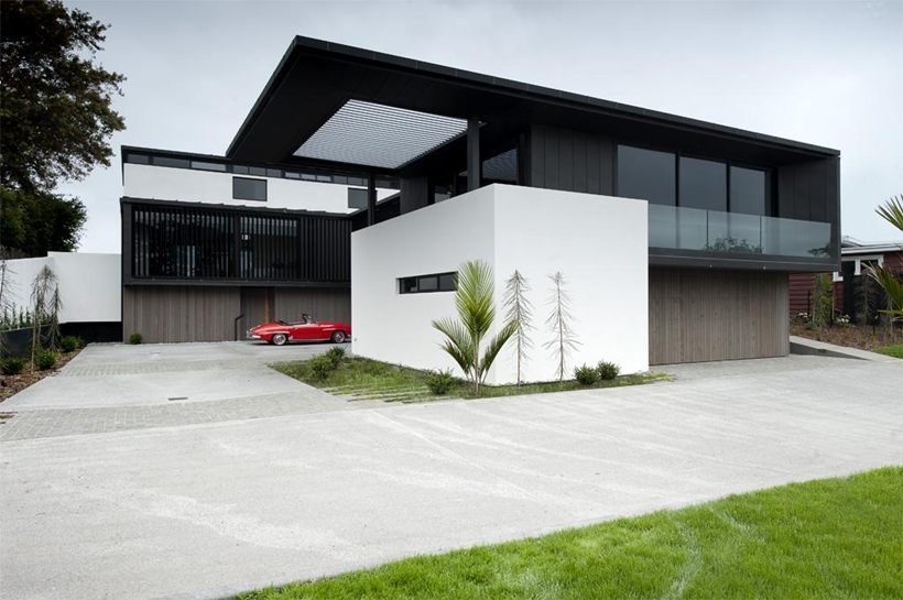 Facade of Lucerne Residence in New Zealand
